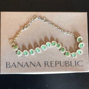 Banana Republic Horseshoe Statement Necklace EUC